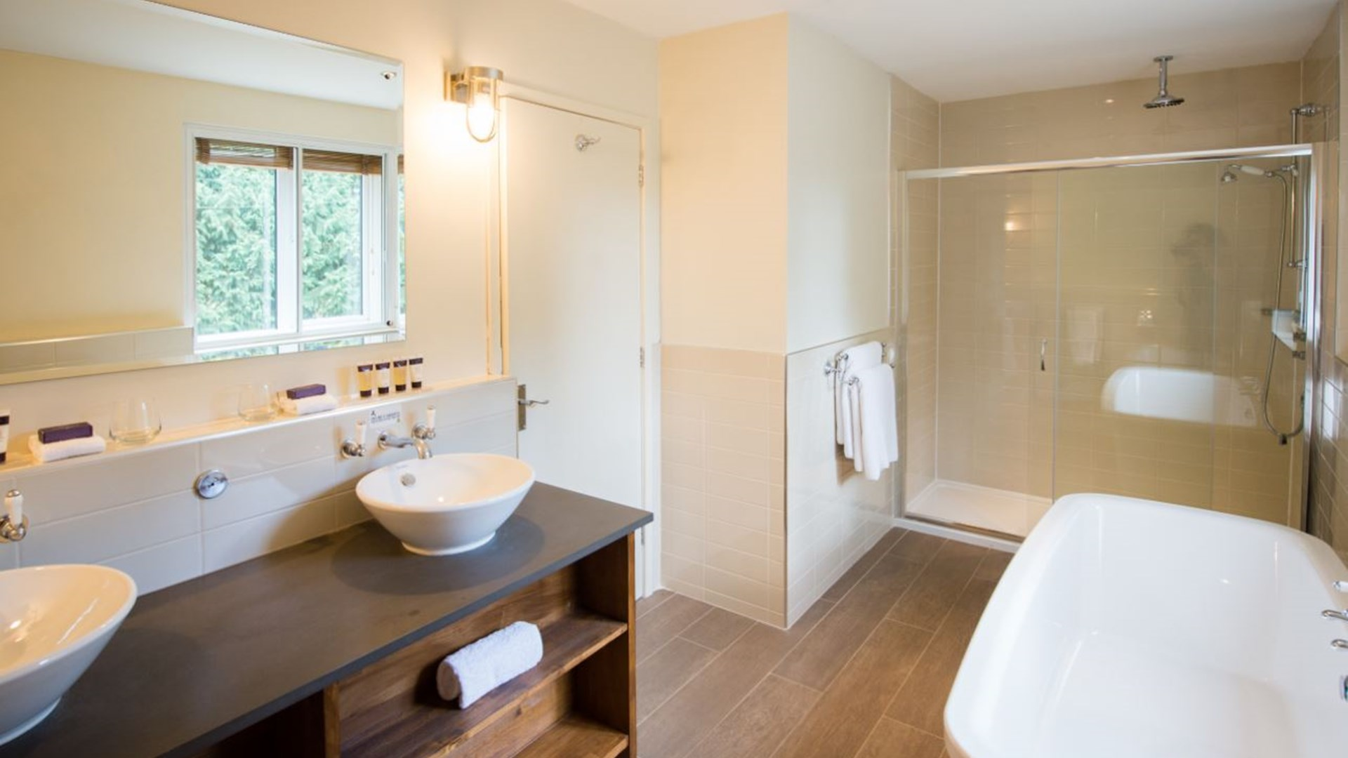 Brabazon Lodge Bathroom